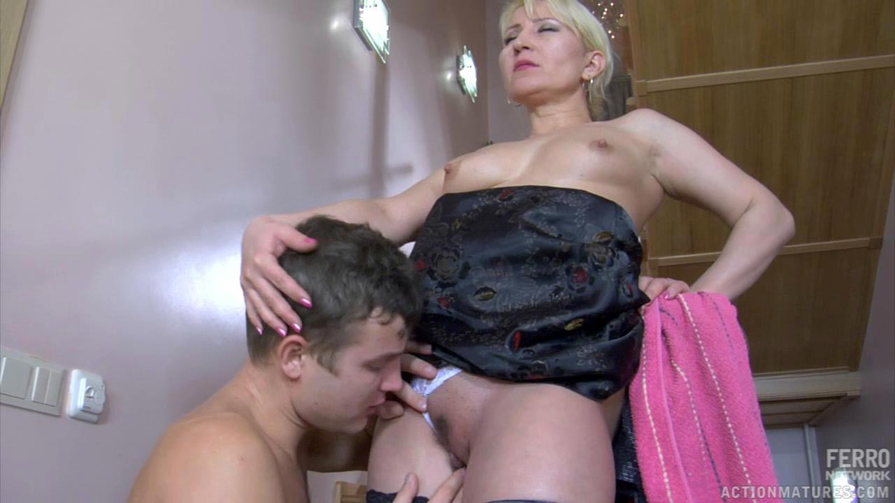 Ottilia and Jerry naughty mom on video