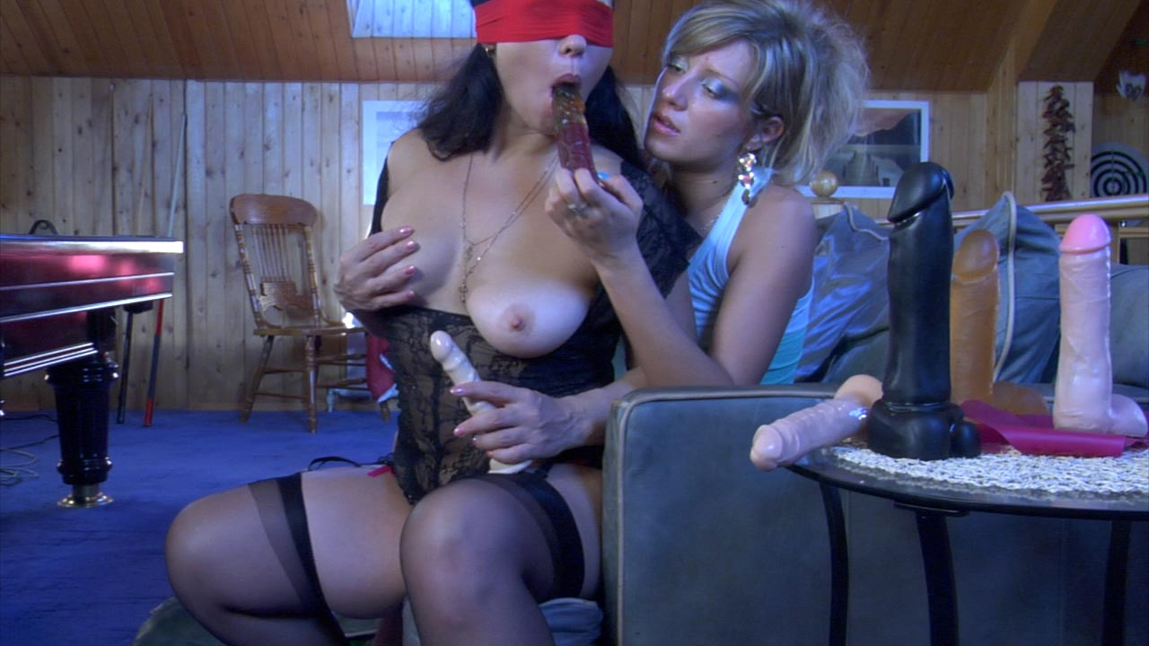 Kathleen and Nora pussyloving mature in
