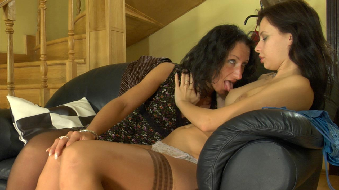 Irene and Regina great lesbian video
