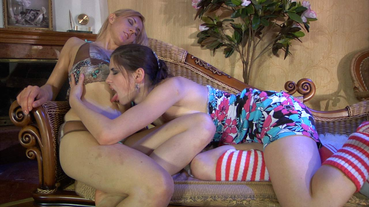 Beatrice and Betty hot lesbian action