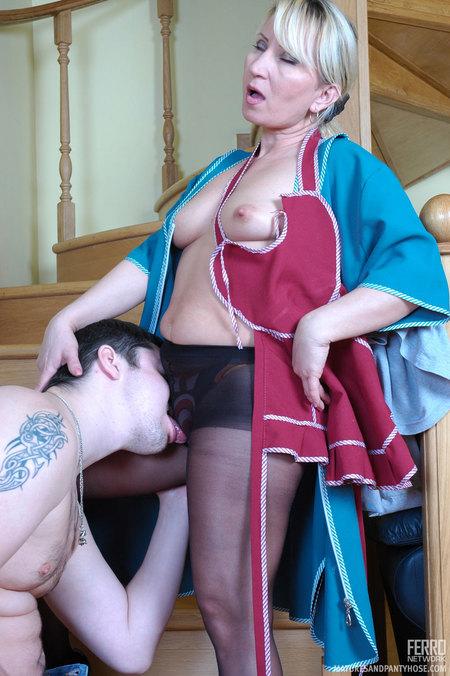 Maid Mature Pantyhose Hause Mature 16