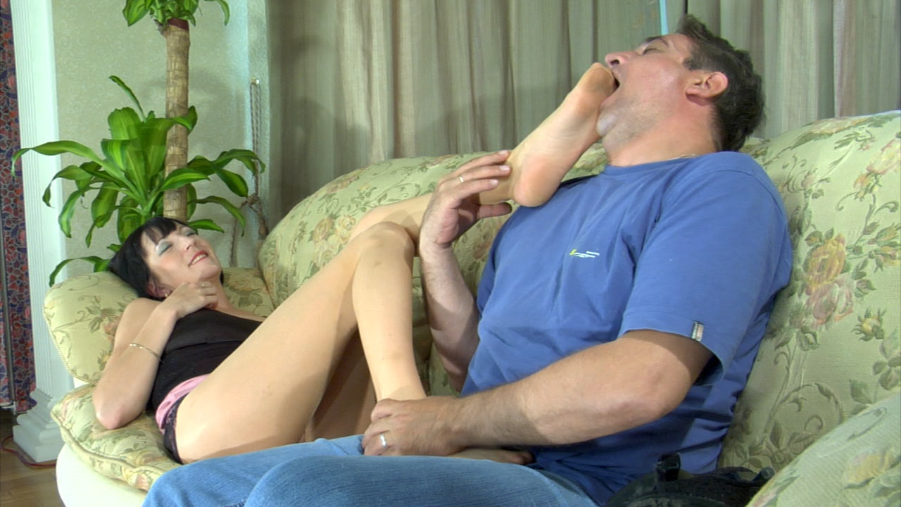 Frank and Carol naughty nylon feet action