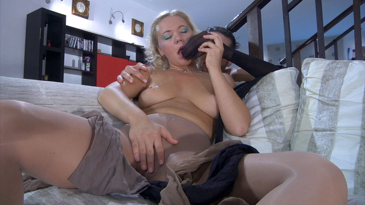 Sandy and Gerhard kinky pantyhose job movie