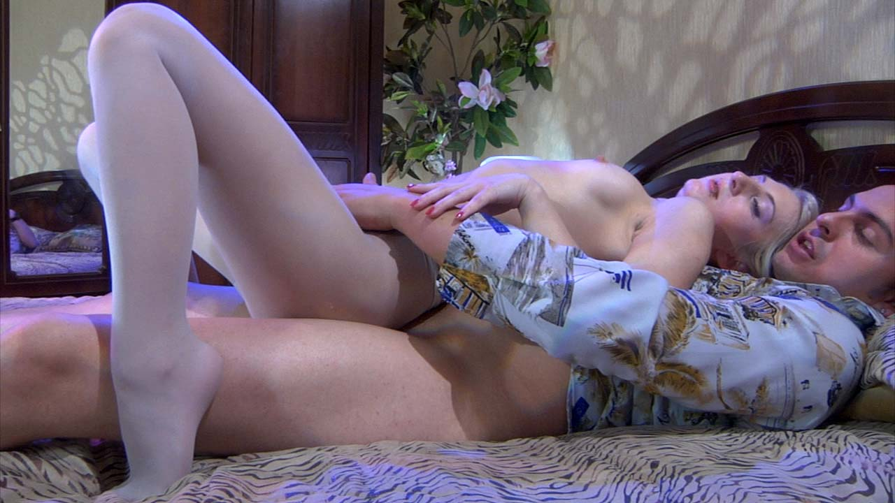 Hester and Franzinni kinky pantyhose action