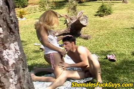 Shemalesfuckguys Blog 35