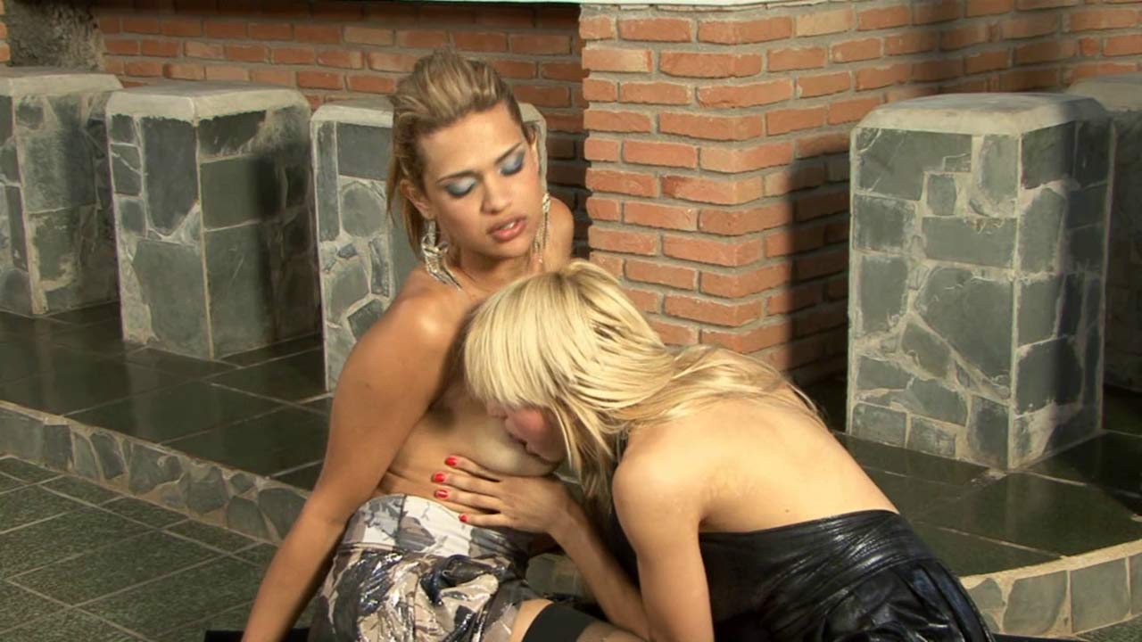 Tayna and Nicole tranny and pussygirl in