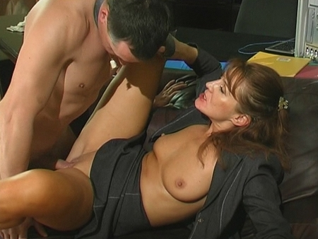 tn 003 450 fully clothed pissing. A trio of hot Eurobabes, Pepper, Gioiabiel and ...
