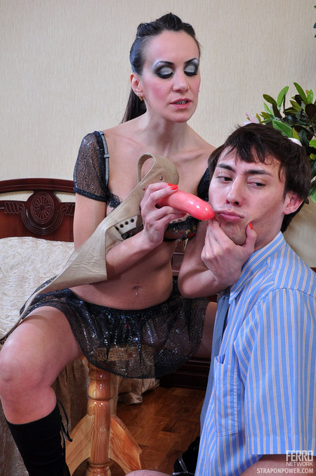Evelina&Jack mindblowing strapon humiliations